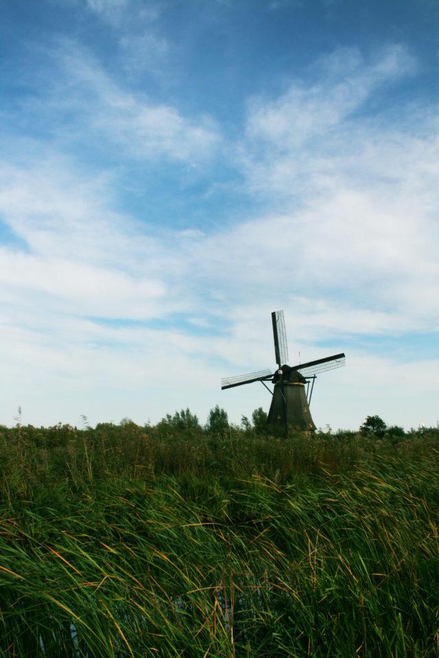 「オランダ世界遺産キンデルダイクのエルスハウト風車群①」のフリー写真素材を無料ダウンロード