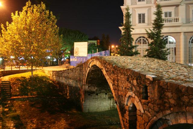 「オスマントルコ時代に作られた石橋「タバケ橋」」のフリー写真素材を無料ダウンロード