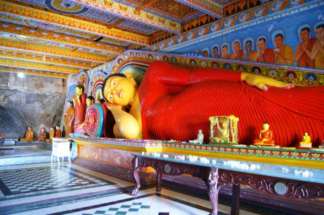 Free stock photos of [Reclining Buddha in Isurumuniya Temple]